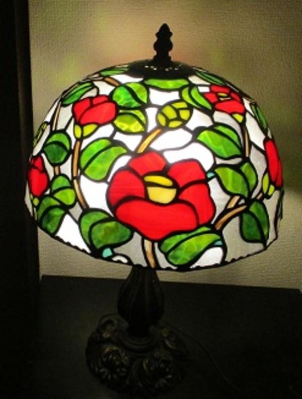赤い椿のランプ