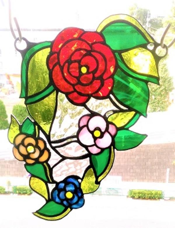 ステンドグラスの吊り飾り「花」