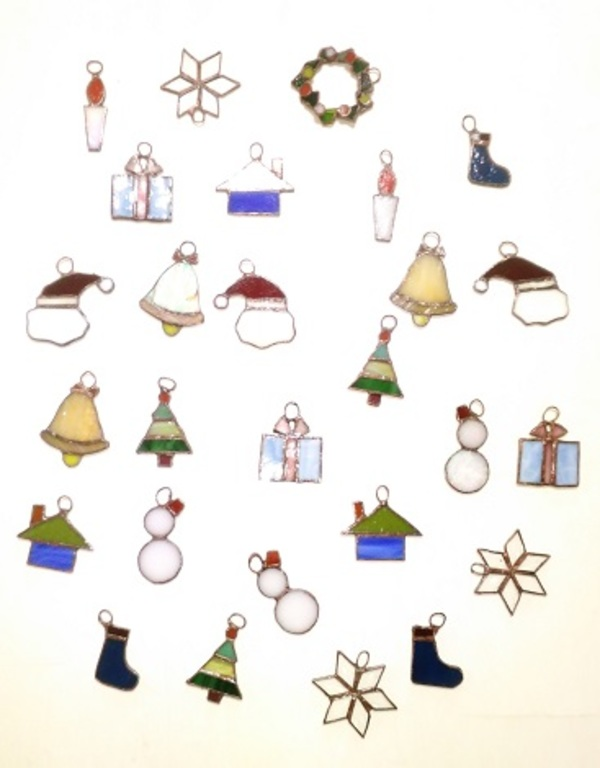 2019.10.24. クリスマスのオーナメント  :制作 横山千鶴 さんのサムネイル