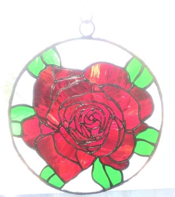 2019.11.1. ステンドグラスの窓飾り「薔薇」  :制作 高橋典子 さんのサムネイル