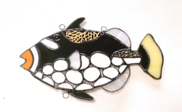 2019.12.23. フグ目モンガラカワハギ(ステンドグラスの吊り飾り)  :佐々木知美 さんのサムネイル