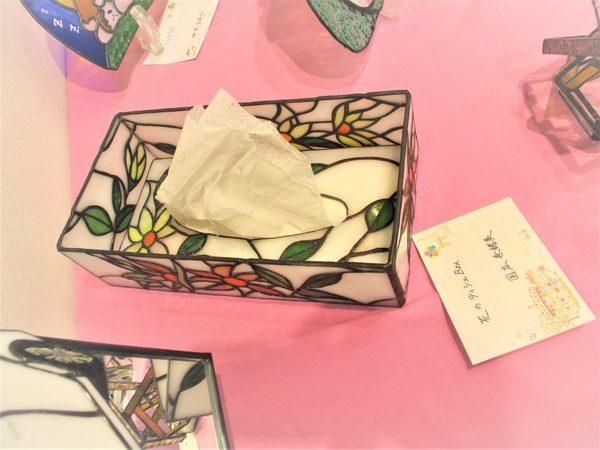 (56)  花のテッシュボックス  :制作 国広奈緒美 さんのサムネイル