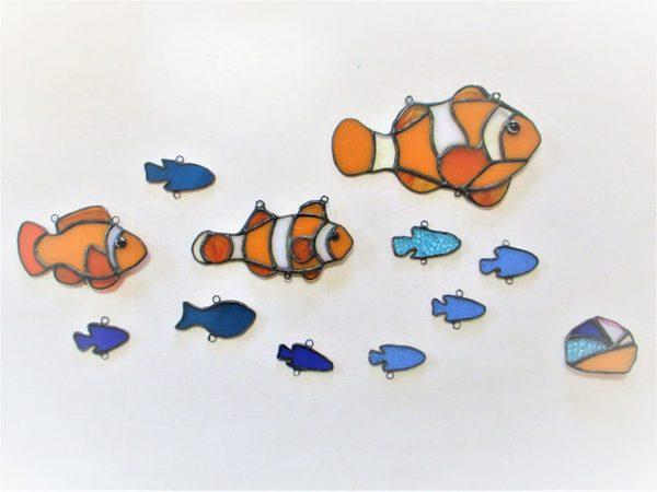 2018.11.20. ステンドグラスのお魚「遊泳」 :制作 佐々木知美 さんのサムネイル
