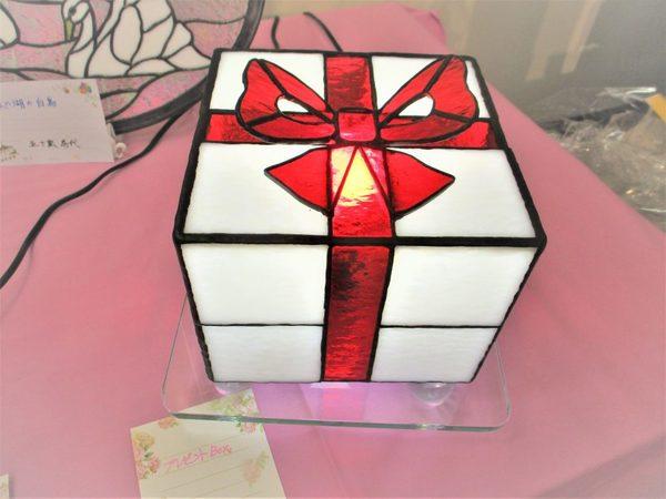 (78)  プレゼントBOX  :制作 松本みどり さんのサムネイル