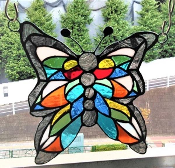 2020.8.29. カラフルな蝶々  :制作 木村州江 さんのサムネイル