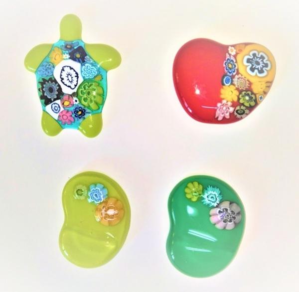 2020.10.2.   フュージングの飾り(亀さん・りんご・そら豆の箸置)  :制作 渡辺ひかる さんのサムネイル