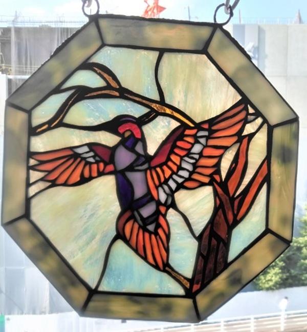 2020.10.4. ステンドグラスの吊り飾り(鳥)  :制作 高橋典子 さんのサムネイル