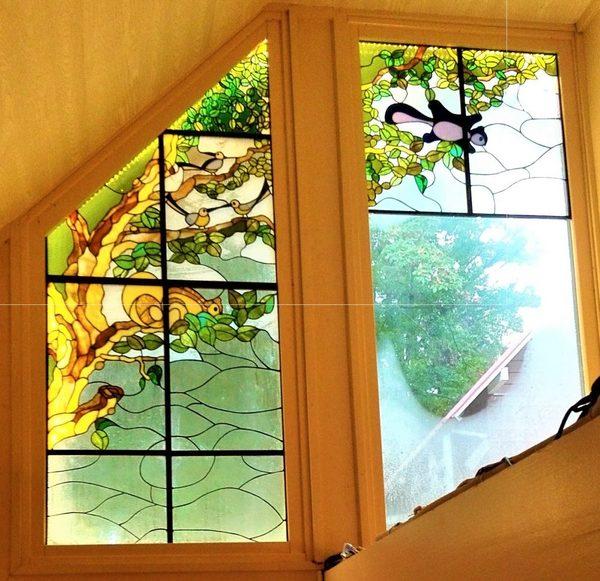 2020.10.23.   ステンドグラスパネル「森に棲む」  :制作 今村寿彦 さんのサムネイル