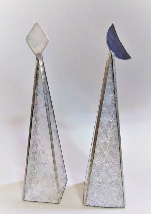 2020.12.9. ステンドグラスの飾り「日と月」  :制作 国広奈緒美 さんのサムネイル