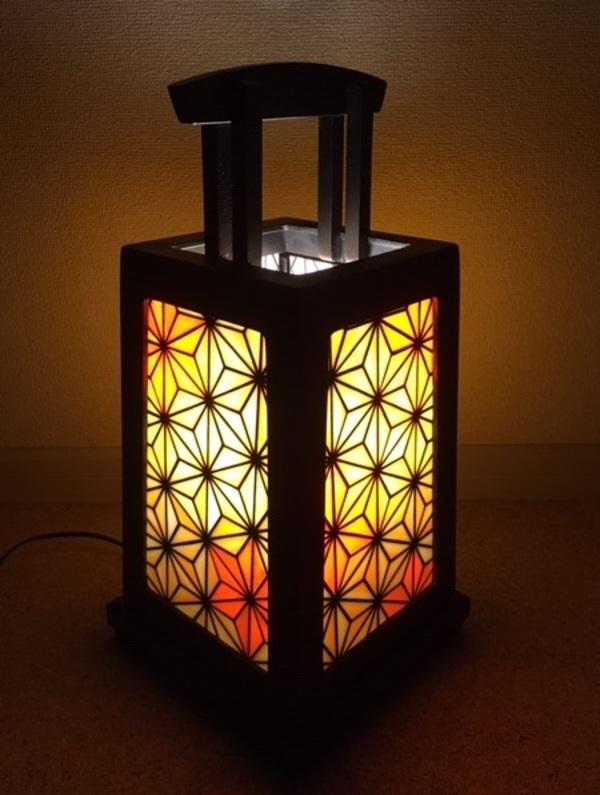 2020.12.10. ステンドグラスの行灯型ランプ  :制作 福永博子 さんのサムネイル