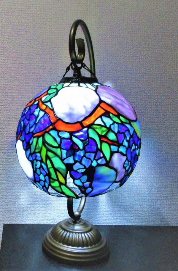 2021.1.20. 球体の吊りランプ「藤と紫陽花」  :制作 大久保千聖 さん のサムネイル