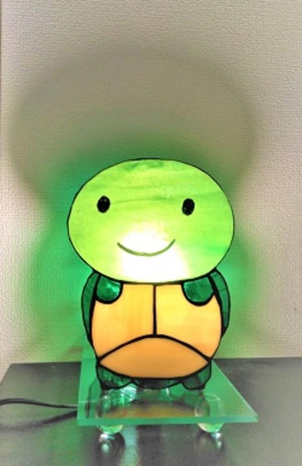 2021.1.18. 可愛い亀さんライト  :制作 高畠麻理子 さんのサムネイル