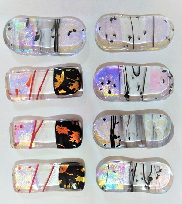 2021.4.8. ガラスの箸置き  :制作 国広奈緒美 さんのサムネイル