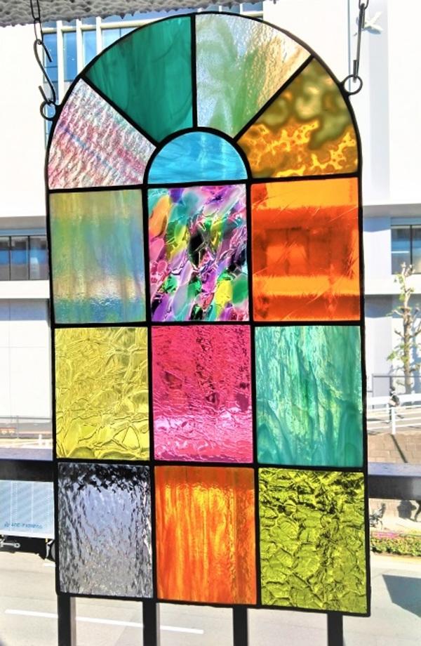 2021.4.26. ステンドグラスの窓  :制作 松崎冴佳 さんのサムネイル