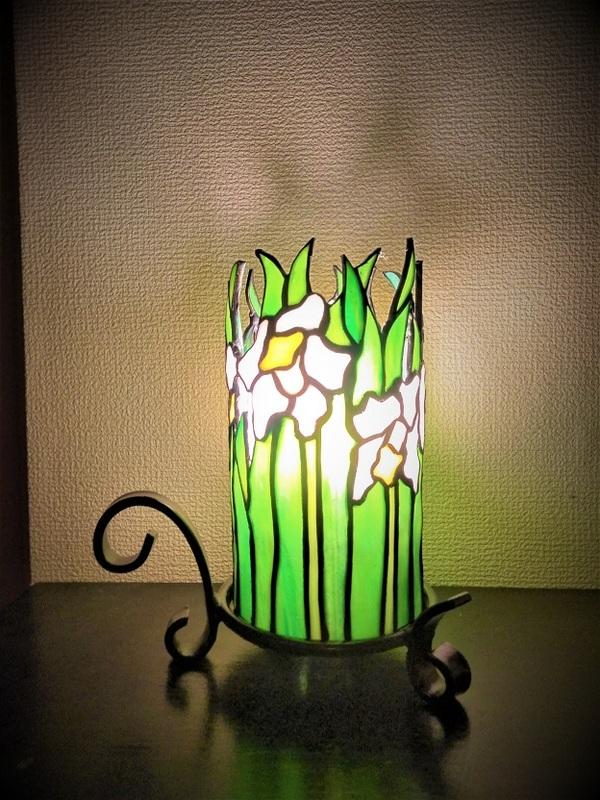 2021.8.26. 燭台型のランプ「水仙」  :制作 山下清明 さんのサムネイル