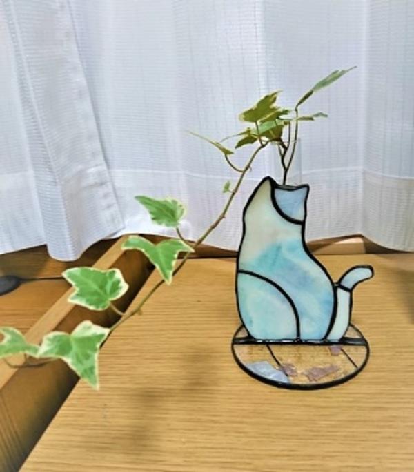 2021.8.7. 子猫の一輪挿し  :制作 菊地裕子 さんのサムネイル