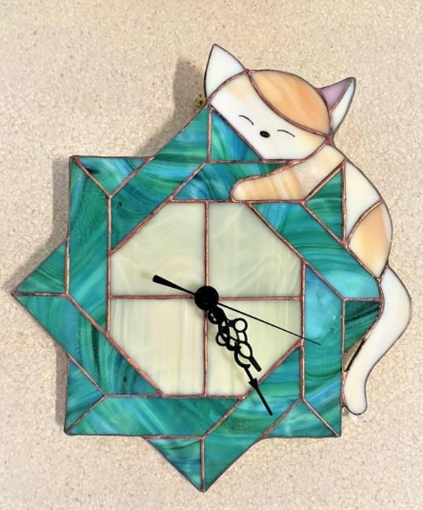 2021.9.21. 子猫と掛け時計  :制作 水川涼子 さんのサムネイル